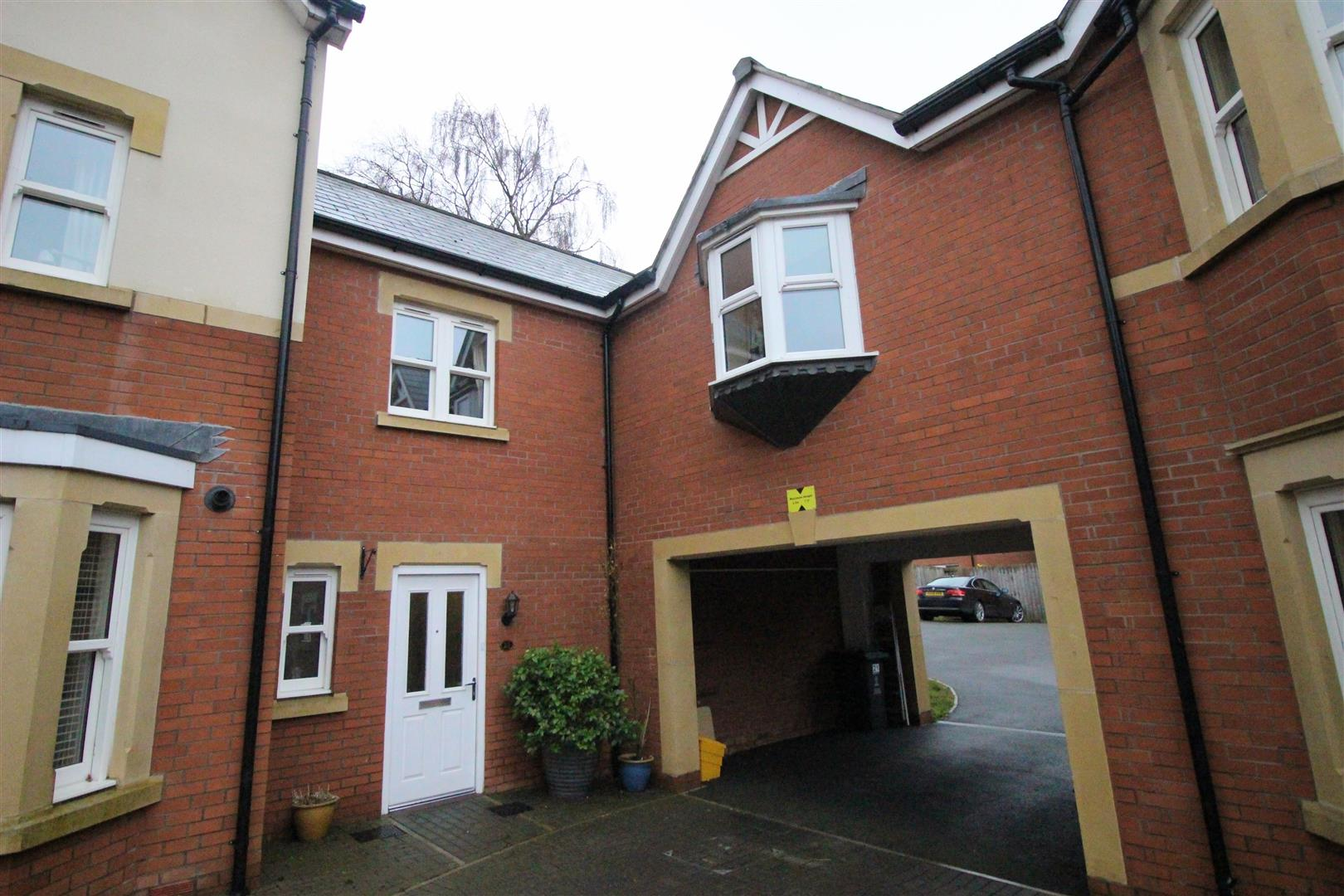 3 Bedrooms Terraced House for sale in The Marlestones, Old Town, Swindon